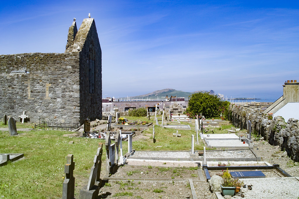 BACK IN JANUARY 2009 I VISITED THE OLD GRAVEYARD IN HOWTH [I HAD TO LEAVE BECAUSE I WAS ATTACKED BY GULLS]-135900