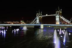 London tower (Arbesu80) Tags: led frame night nocturna noche exposition long largaexposición tower uk viaje colores colors light luz fuente puente bridge londres london