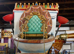 The King of Tucks' throne - Tucks' Den, New Orleans (Monceau) Tags: throne toilet kreweoftucks tucks mardigras neworleans parade floats