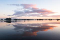 Spaarbekken van de IJzer Nieuwpoort (de_frakke) Tags: spaarbekken ijzer nieuwpoort belgium morning ochtend vroeg early wolken water spiegel mirror
