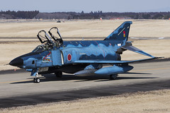 Japan Air Self Defence Force, McDonnell Douglas RF-4EJ Kai Phantom II, 47-6905. (M. Leith Photography) Tags: mark leith photography japan japanese self air defence force jasdf mcdonnell douglas phantom f4 ibaraki hyakuri sunshine base fighter nikon d7000 d7200 70200vrii 300mmf4 nikkor asia flying military sky building airplane cockpit aircraft jet