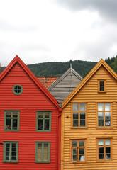 Colores. IMG_7743_ps (Inclitus) Tags: casas colores triangulos ventanas