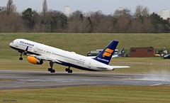 Icelandair TF-FIV J78A0843 (M0JRA) Tags: icelandair tffiv birmingham airport planes flying runway jets aircraft rotate clouds sky terminal