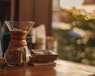 Chemex, books and some bokeh