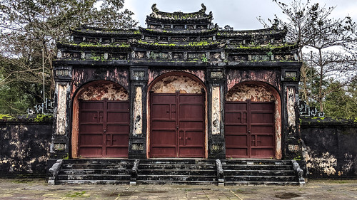 Hue - Tombs, Pagodas & abandoned water parks