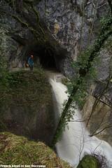 Guy au dessus de la Cascade de la Grotte des Faux Monnayeurs - Mouthier Haute Pierre (francky25) Tags: guy au dessus de la cascade grotte des faux monnayeurs mouthier haute pierre vallée loue franchecomté doubs