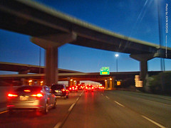 Southbound I-35 at I-435 at dusk, 15 Nov 2017 (photography.by.ROEVER) Tags: kansas johnsoncounty lenexa joco drive driving driver driverpic road highway interstate freeway i35 i435 interstate35 ramp interchange exit dusk aftersunset commute 2017 november november2017 usa