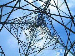 Electricity Mast becomes Adventure Tower. Pylons as commercial outdoor Leisure facilities http://j.mp/2AFRTmt (Skywalker Adventure Builders) Tags: high ropes course zipline zipwire construction design klimpark klimbos hochseilgarten waldseilpark skywalker