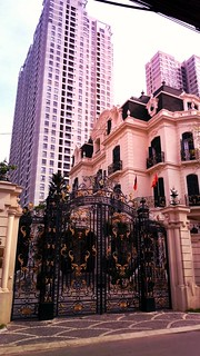 Mansions and high-risers in Ho Chi Minh City