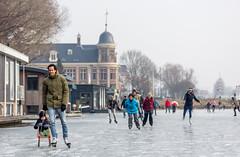 Schaatspret in de stad (Bart Weerdenburg) Tags: schaatsen ice iceskating skating winter utrecht netherlands speedskating nederland holland