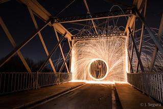 Fuego en el puente