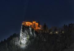 Il castello sul lago (forastico) Tags: forastico d7000 slovenia bled lago castello notturno