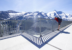 On The Edge (CoolMcFlash) Tags: person woman mountains austria snow handrail shadow day sky view canon eos 60d frau gebirge berg österreich schnee mountainpeak bergspitze geläender schatten tag himmel aussicht fotografie photography alps alpen grosglockner sigma 1020mm 35 landscape landschaft nature natur