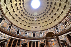 Pantheon, dome (Thomas Roland) Tags: rome rom roma italia italy italien europe europa travel rejse holiday city by stadt roman tourist tourism destination visitors dome kuppel ceiling loft roof tag church kirke temple pantheon trajan hadrian classic classical wide windangle historical building architecture