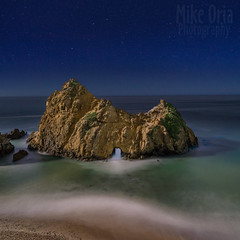 Passage (mikeSF_) Tags: bigsur california pfeiffer rock arch hole ocean pacific pacificocean pentax outdoor seascape longexposure stars star astro astrophotography wwwmikeoriacom 645z dfa35 35mm