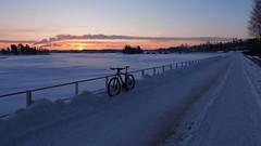 2018 Bike 180: Day 40, February 21 (olmofin) Tags: 2018bike180 finland biycle sunrise snow sea ice meri jää polkupyörä pyörätie keilaniemi keilasatama keillahti espoo auringonnousu mzuiko 918mm