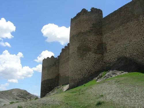 Güzelsu, Burg Hoşap (kurdisch, 17. Jhdt.)