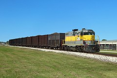 308 arrives at Clewiston with a train of sugarcane from Moore Haven, 23 Nov 2017 (Mr Joseph Bloggs) Tags: train treno bahn railway railroad 308 emd emdgp11 electro motive division gm general motors clewiston florida south central express ussc scfe united states sugar corporation america sugarcane