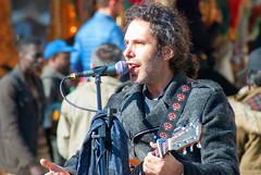 cantante (g_u) Tags: gu ugo firenze florence persone gente people musicista musica cantante chitarra guitar