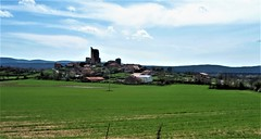 Hinojosa de la Sierra y su castillo-(Soria) (Eduardo OrtÍn) Tags: castillo soria castillaleón hinojosadelasierra