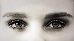Duo (liofoto) Tags: canon eos6d sigma105mmmacro noiretblanc blackandwhite monochrome sépia regard yeux eyes closeup