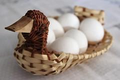 O pato dos ovos de galinha (mpsfotografo) Tags: pato ganso galinha ovo white artesanto palha cipo cesta trancado cozinha copa decoracao duck goose chicken egg branco craft straw basket kitchen vine decoration pantry
