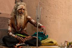 Varanasi. Uttar Pradesh. India. (Tito Dalmau) Tags: street portrait man sadhu varanasi uttarpradesh india
