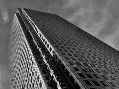(yeezusr96) Tags: blackandwhite architecture skyscraper uk london canarywharf