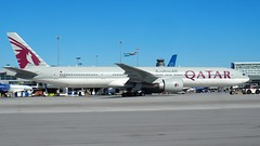 P4140425 TRUDEAU (hex1952) Tags: yul trudeau boeing qatar b777 qatarairlines