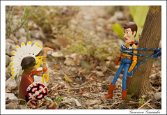 Woody en apuros (Olympia G.) Tags: woody toy toyphotography toystory indio pixar toys photography juguetes figurecollection figures playmobil playmobilcollection