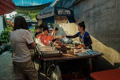 Breakfast in Bangkok (Goran Bangkok) Tags: bangkok thailand chinatown breakfast food morning stall vendor sunlight women culture