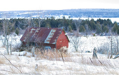 Old barn along hwy 148, Quebec (Jim Cumming) Tags: barn old highway quebec winter snow field cold canada building