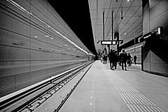 Platform Vijzelgracht (davidvankeulen) Tags: europe europa amsterdam noordholland provincienoordholland pnh metropoolregioamsterdam metropoolamsterdam noordzuidlijn noord zuid stad 52 lijn52 line52 city stadt ville underground subway ubahn ondergrondse metro urbanrail unterbahn stadtbahn davidvankeulen davidvankeulennl davidcvankeulen urbandc