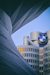 BMW (mimo b. rokket) Tags: abstract abstrakt architecture architektur abstractarchitecture abstraktearchitektur modern modernarchitecture modernearchitektur münchen munich bayern bavaria deutschland germany forms formen canonefs55250mmf456isstm bmw bmwvierzylinder bmwturm bmwworld frame karlschwanzer hochhaus