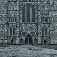 great ornamentation ... (HHH Honey) Tags: 118picturesin2018 98ornament 98 ornament architecture salisburycathedral salisbury wiltshire cathedral church statues door windows sigma sigma2470lens explored a7ii α7ii