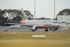 Jetstar Airways | A320 | VH-VQQ (Anthony Kernich Photo) Tags: vhvqq airplane aircraft airplanepicture airplanephotograph airplanephoto adelaide adelaideairport closeup longlens plane aviation jet olympusem10 olympus olympusomd commercialaviation planespotting planespot aeroplane flight flying airline airliner kadl kpad adl airport raw detail close jetstar jq airbus airbusa320 a320 takeoff jetstarairways
