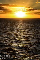 2 Sunset (fneitzke) Tags: portfolio canont5eos1200d canon canont5 january janvrier janeiro summer été verão américadosul americadelsur ameriquelatine latinoamérica latinamerica américalatina oceano ocean mar sea mer oceanoatlântico atlantic atlanticocean sunset pôrdosol coucherdusoleil puestadesol nature natureza naturaleza contrast contraste seascape
