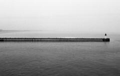348 (Digirolamo Nicola) Tags: calais pasdecalais filmisnotdead france jetée portdecalais ferry boat brume fog nebbia pier bassinest
