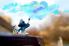 I love you! (ingrid eulenfan) Tags: leipzig flickrfriday paintthesky schlumpf smurf sky künstler abstrakt spielzeug pitufo schtroumpf puffi estrumpfes