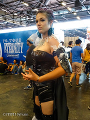 Japan Expo 2017 4e jrs-92 (Flashouilleur Fou) Tags: japan expo 2017 parc des expositions de parisnord villepinte cosplay cospleurs cosplayeuses cosplayers française français européen européenne deguisement costumes montage effet speciaux fx flashouilleurfou flashouilleur fou manga manhwa animes animations oav ova bd comics marvel dc image valiant disney warner bros 20th century fox star wars trek jedi sith empire premiere ordre overwath league legend moba princesse lord ring seigneurs anneaux saint seiya chevalier du zodiaque