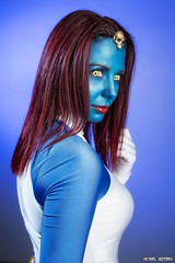 A Certain Mystique... (Ring of Fire Hot Sauce 1) Tags: cosplay mystique mysteriouswayscosplay sandiegocomiccon sdcc portrait