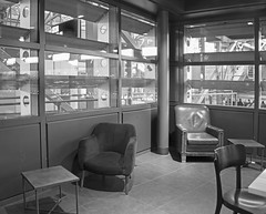 tables and chairs (=Mirjam=) Tags: nikond750 starbucks station denbosch bw windows februari 2018