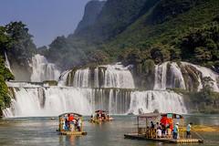 Největší vietnamský vodopád Ban Gioc (zcesty) Tags: řeka vor vodopád vietnam20 loď krajina domorodci vietnam bangioc dosvěta chongzuo caobằng cn