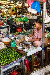 Trh v Cao Bang (zcesty) Tags: vietnam20 trh stánek prodavač ovoce kokos domorodci vietnam caobang dosvěta tpcaobằng caobằng vn
