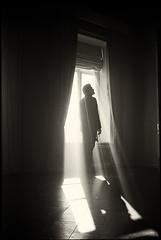 August_Moscow_D76#040 (Yuriy Nezdoiminoga) Tags: life nezzdoi leica light kodak fim bw siluet summilux35mm