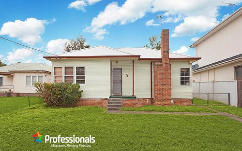 5 Enright St, East Hills NSW 2213
