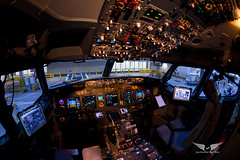Welcome to my office! Boeing 737-800 cockpit (gc232) Tags: boeing 737 cockpit canon 6d tokina 1017mm b737 b737ng b737700 b737800 b737900 737ng 737800 instruments overhead panel yoke throttles efb pfd fmc pilot aviation avgeek fly travel airplane plane spotting avgeeks