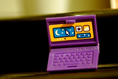 Micro laptop for nano fingers (dagherrotipista) Tags: macromondays lessthananinch laptop ordenador lego nikond60 macro