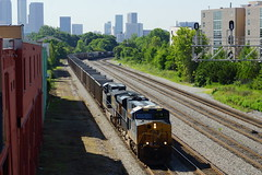 CSX EO15 AT ATLANTA, GA (railfan1967) Tags: 3092 yn3 boxcarlogo csx csxt eo15 unitcoal train atlanta georgia westmariettastreet overpass gees44ah