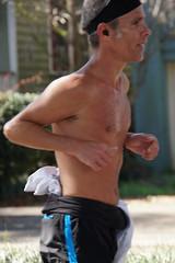 96 Rock 'n' Roll Marathon (Omunene) Tags: humanarocknrollmarathonneworleans2018 brooks race marathon 42195k 26219m esplanadeavenue faubourgstjohn neworleans runners shirtless pecs nipples navel bellybutton chest